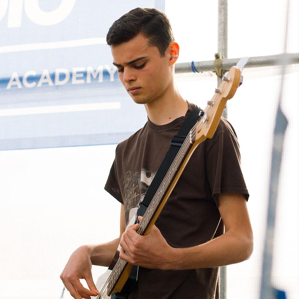 Bass 09.jpg
