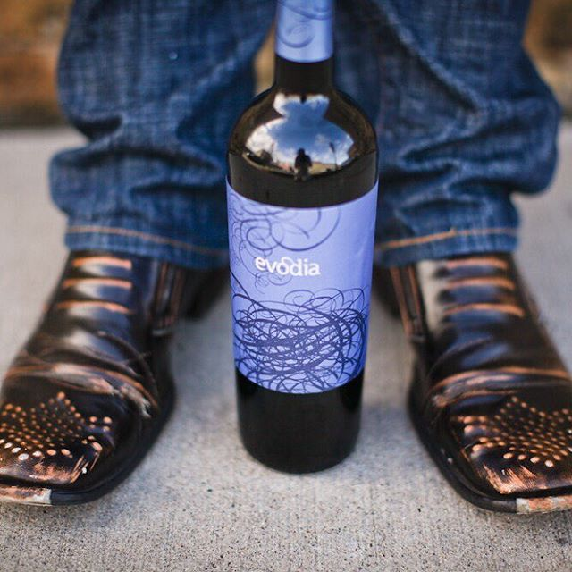 Today we celebrate... #Nationalwineday.  Sometimes one of my favorite shots happens when I'm standing around waiting.  Damn, I miss those shoes.