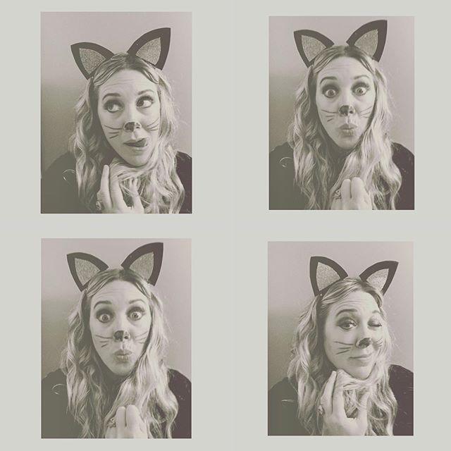 Never too old 🐾🐱🖤Hope you're Halloween was fun and frightful. . . . . . #artbyerinelizabeth #halloween #blackcat #cat #fun #costume #october #fall #kidatheart #magic #makebelieve #artist