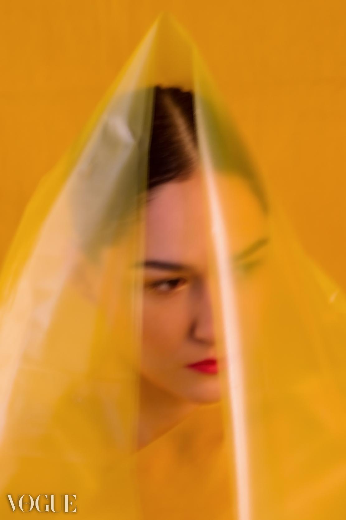 Lorina-H-Eveline-Van-De-Griend-Berlin-Matthew-Coleman-Photography
