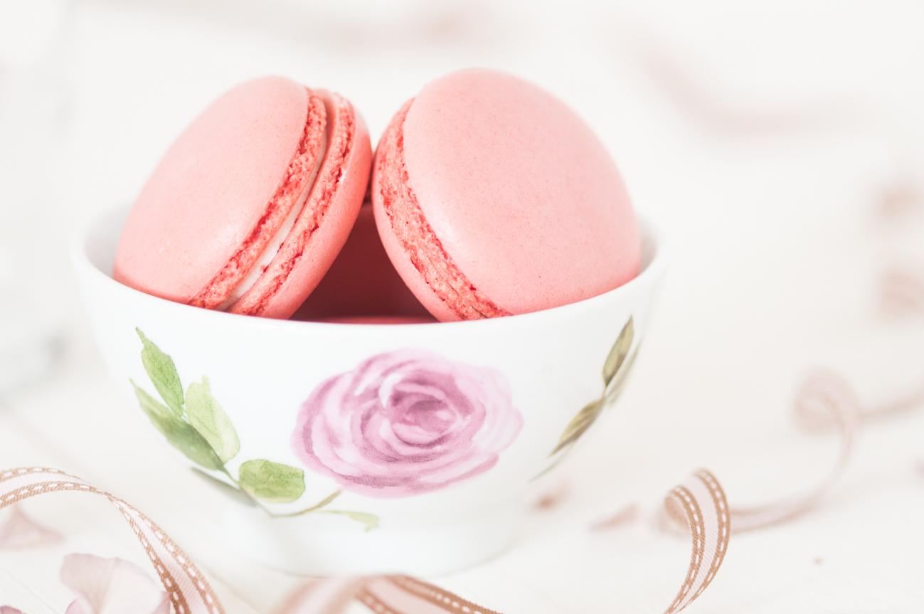 Himbeer & Erdbeer Makronen