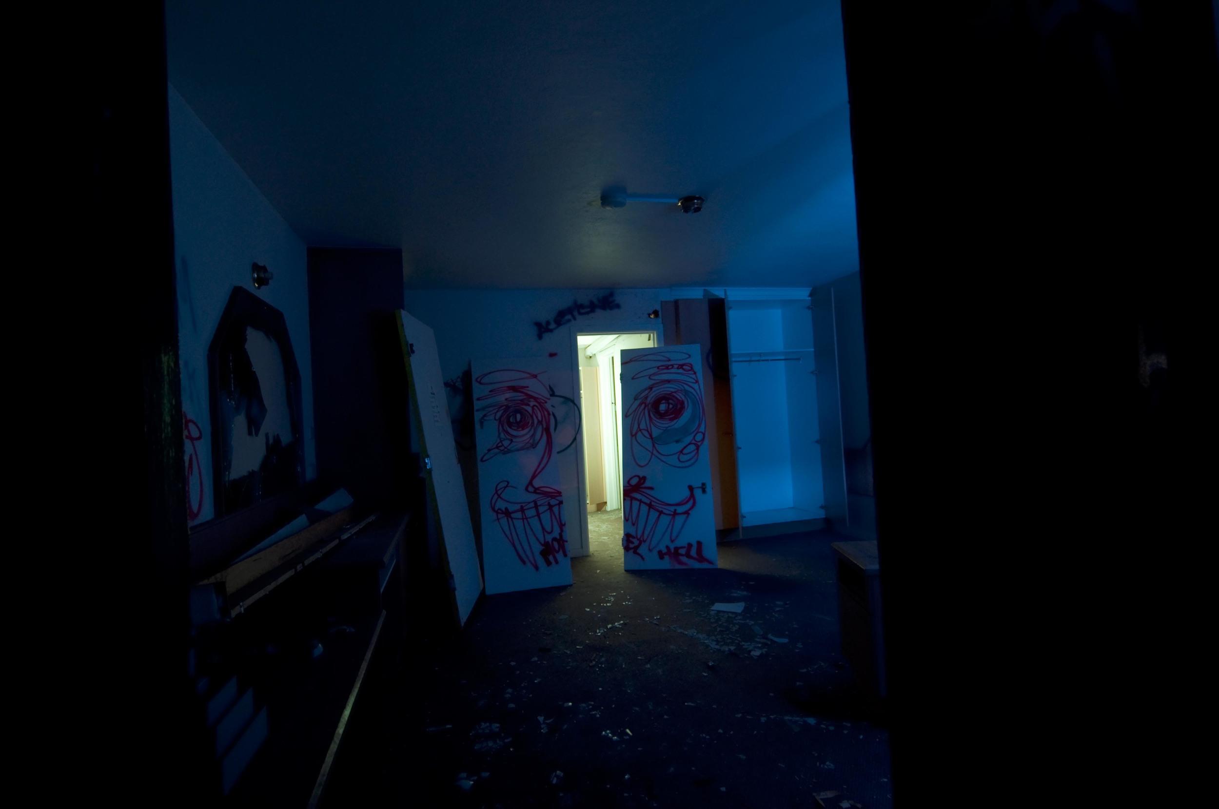 motelhell-13.jpg