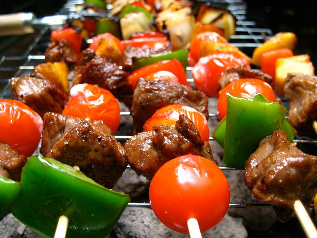 Lean beef & vegetable kebabs - High in IROn & VItamin C