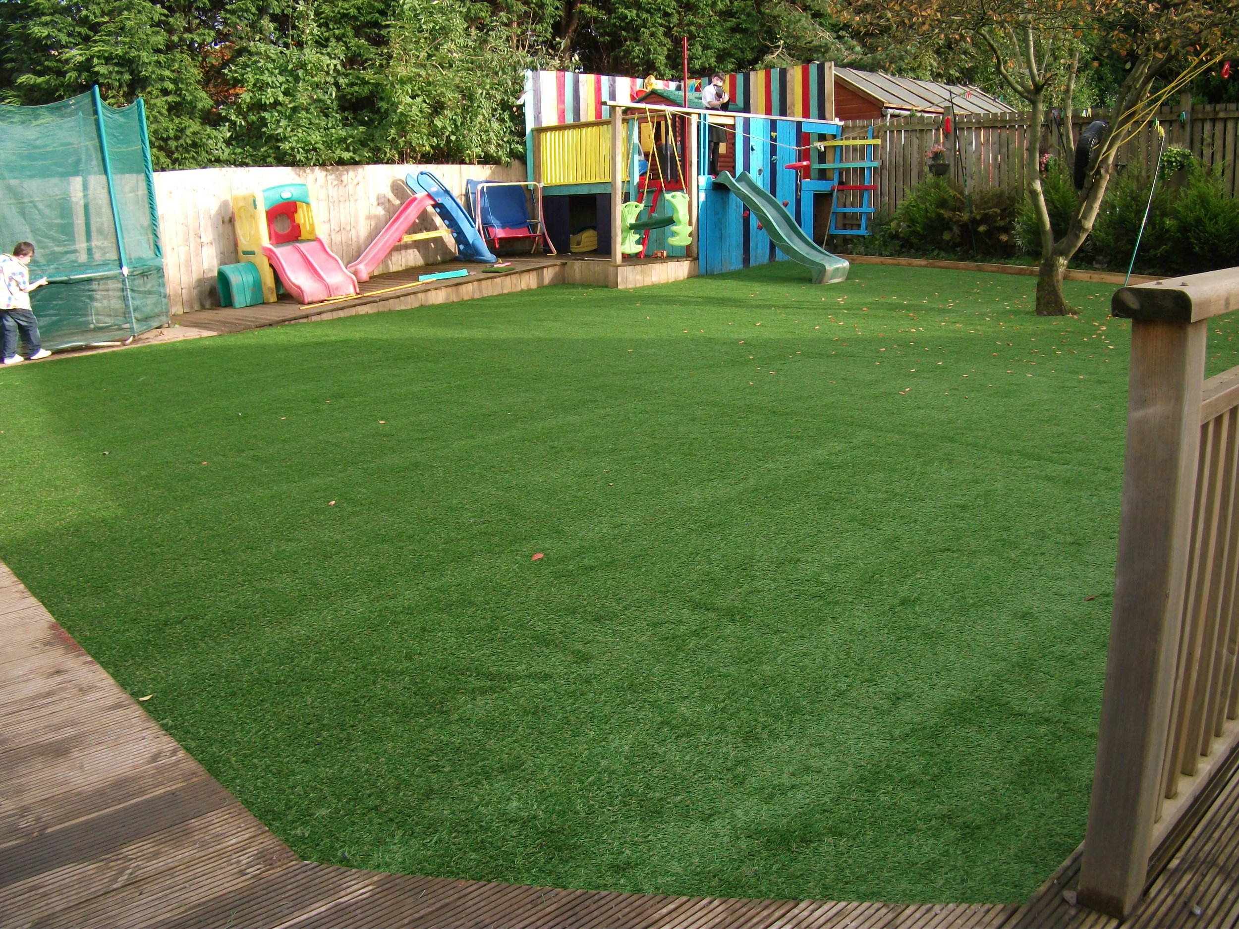 child-friendly-artificial-turf.jpg