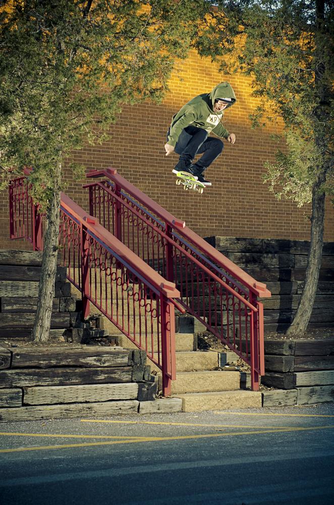 ChrisDagostino_Ollie_doublerails.jpg