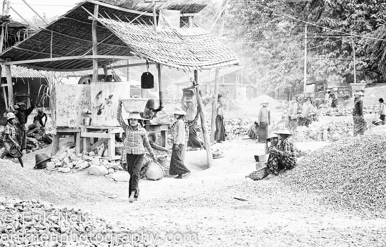 © Erik Neu-Myanmar-quarry workers-0001.jpg