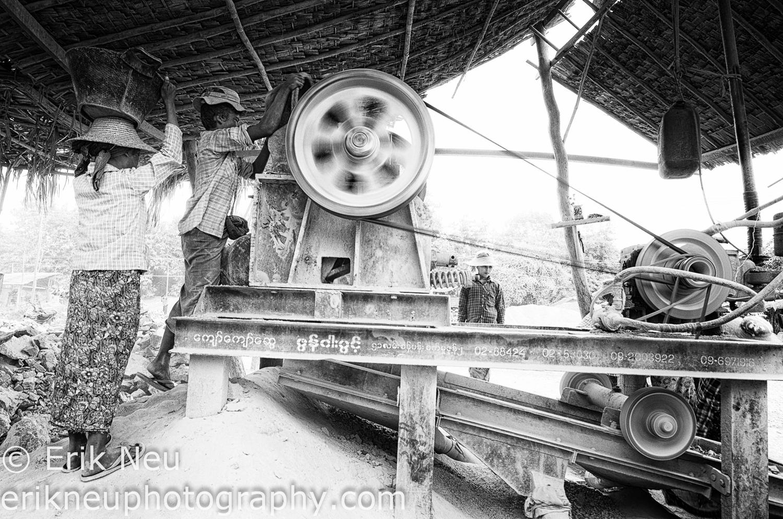 © Erik Neu-Myanmar-quarry workers-0003.jpg