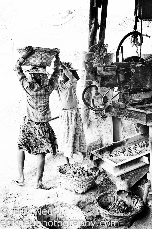 © Erik Neu-Myanmar-quarry workers-0004.jpg