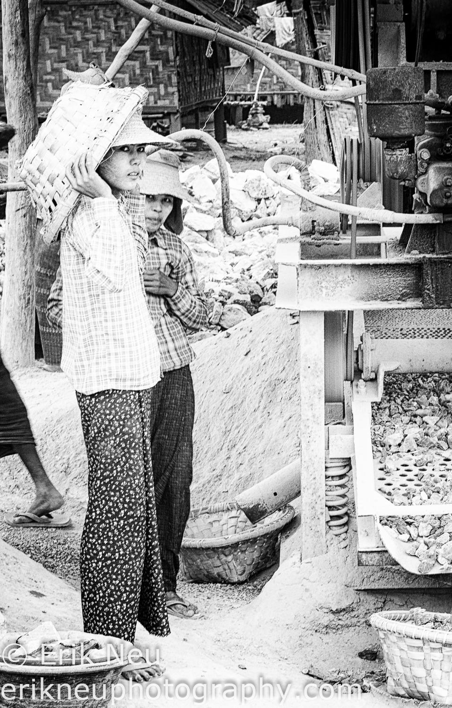 © Erik Neu-Myanmar-quarry workers-0005.jpg
