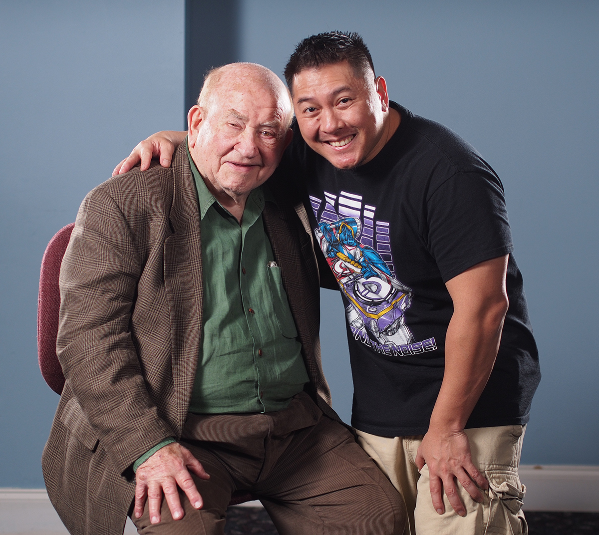 I did manage to snag a quick photo with Ed Asner, though!
