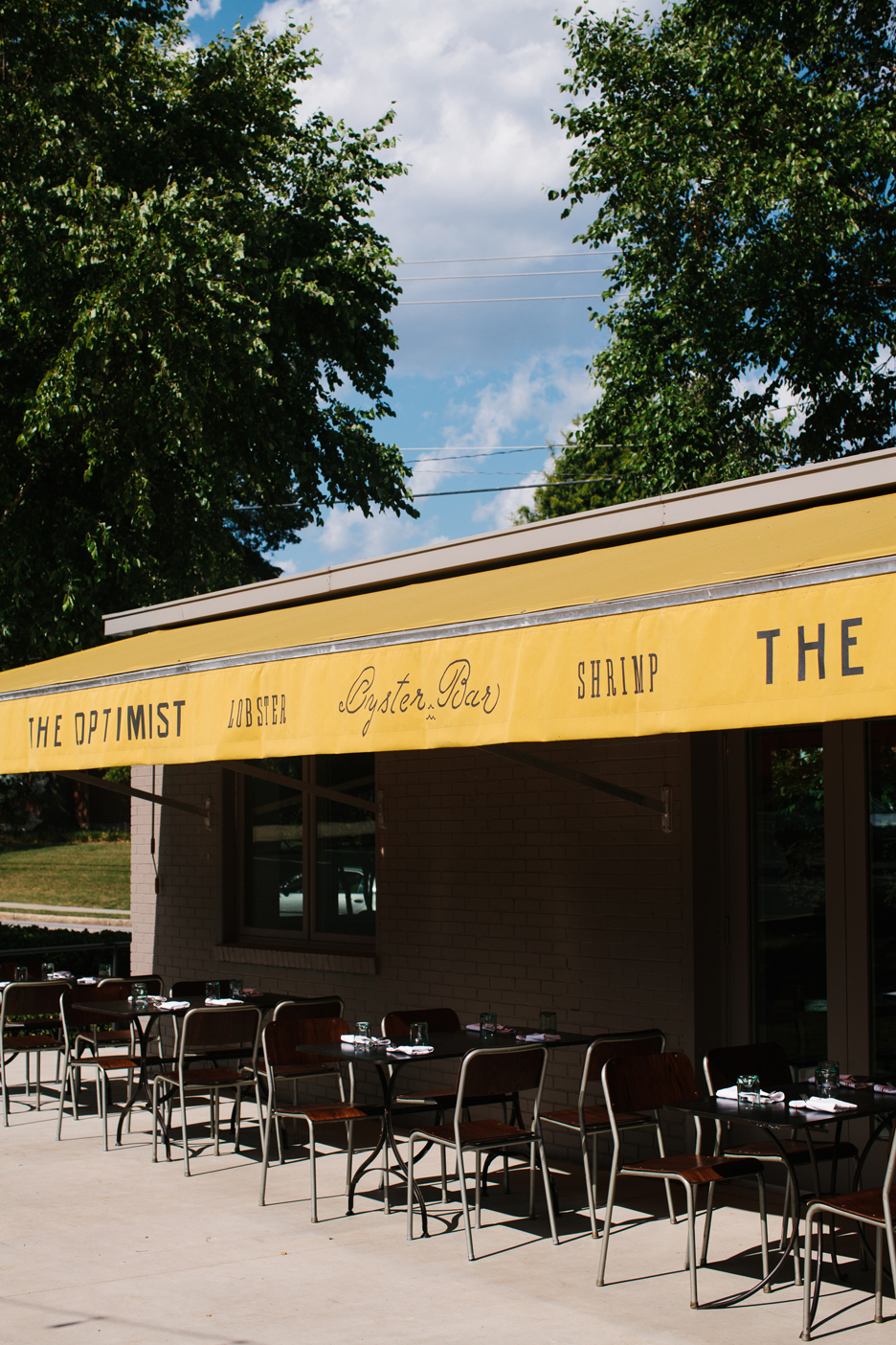 The Oyster bar at The Optimist | Smith Hanes. outside seating