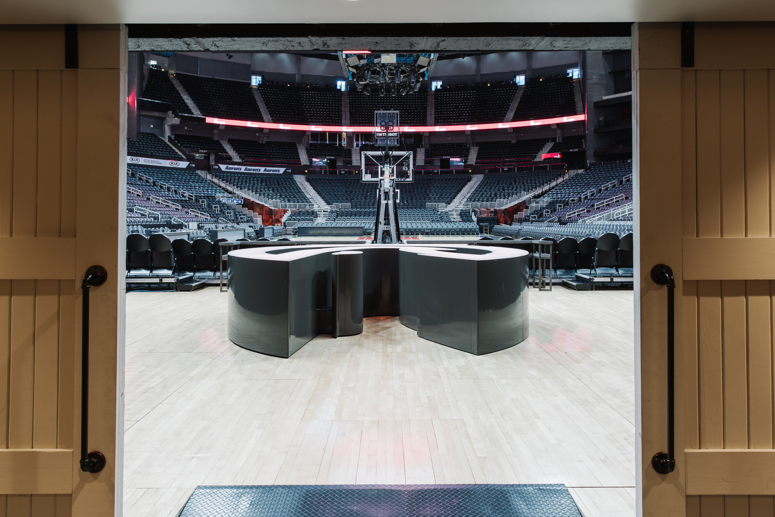 Courtside Club - Philips Arena | Smith Hanes. View onto the Court