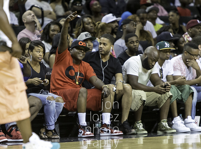 Jadakiss sat courtside to enjoy the games before his performance at the Barclays Center during the EBC Celebrity Game.