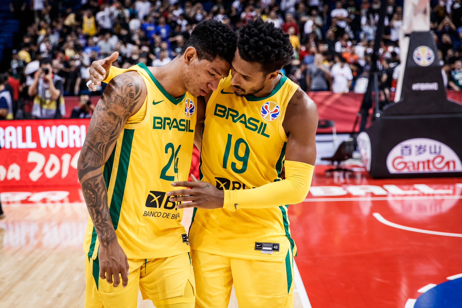 Leadership manifested itself in many ways at the FIBA Basketball World Cup. Here, Leandro Barbosa (seasoned veteran for Brazil's national team) consoles his teammate Didi Louzada after the team almost lost on an ill-advised play late in the game. All rights reserved (Mandatory photo credit: Jon Lopez / FIBA )