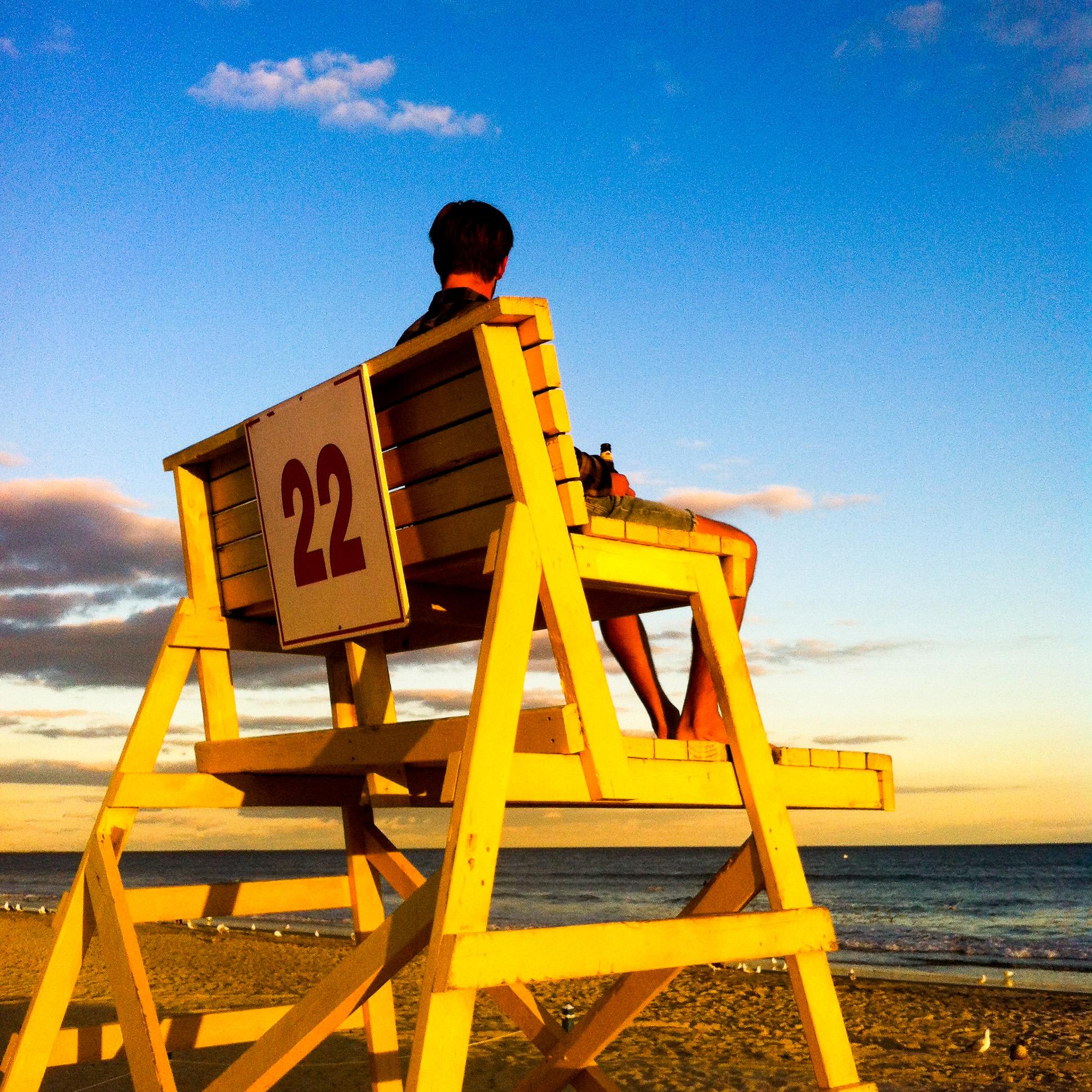 jim-lifestand-alue-optics-long-beach-ny.jpg