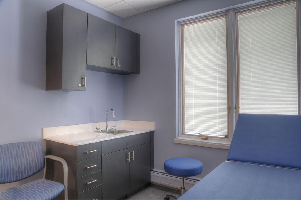 Ridgewood-Ortho---Exam-Room-Natural-Light.jpg