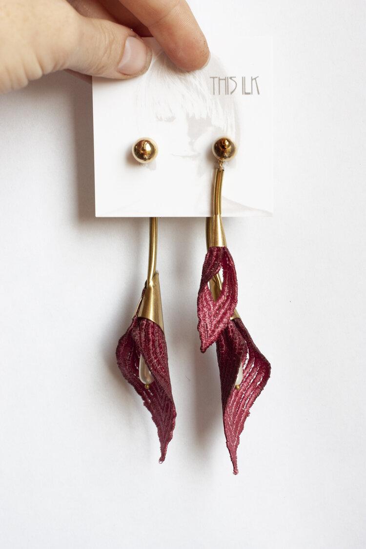 Sweet 1 14 Calla Lilies Lampwork Earrings
