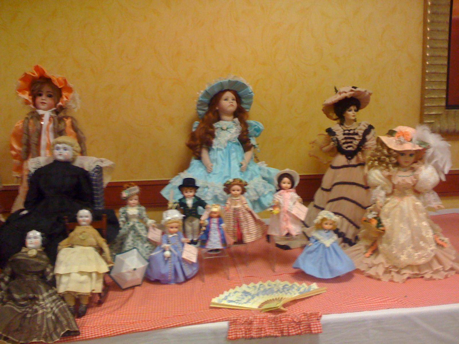 doll show 1.JPG