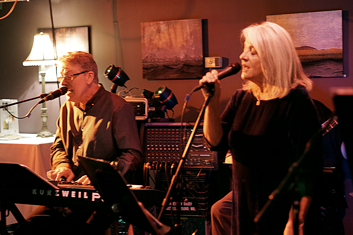 Fred & Suzie Singing #1 1200.jpg