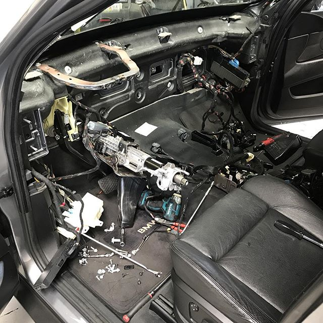 Sooo, you say there is a strange smell coming from your AC.. Well let's take a look. #gladitsnotme #evaporatorleak #bmwrepairsandiego #bandbautohaus #sandiego #bmwx5 #e70 #noextraparts