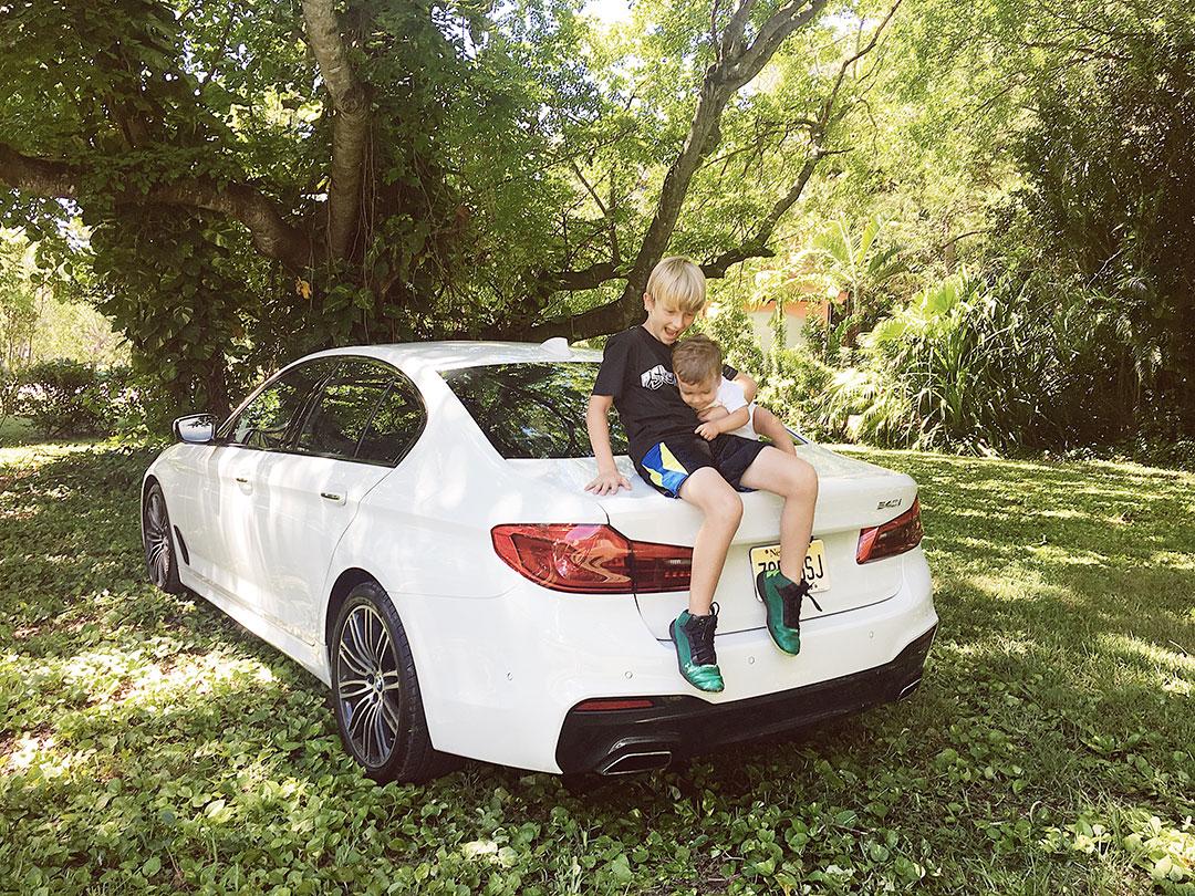 BMW_540i_2017_03.jpg