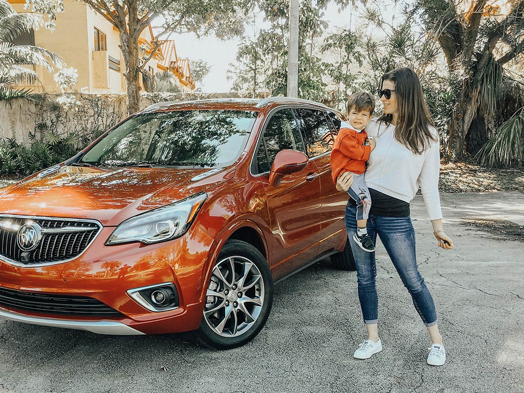 Buick_Envision_2019_02.jpg