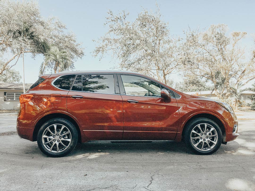 Buick_Envision_2019_05.jpg