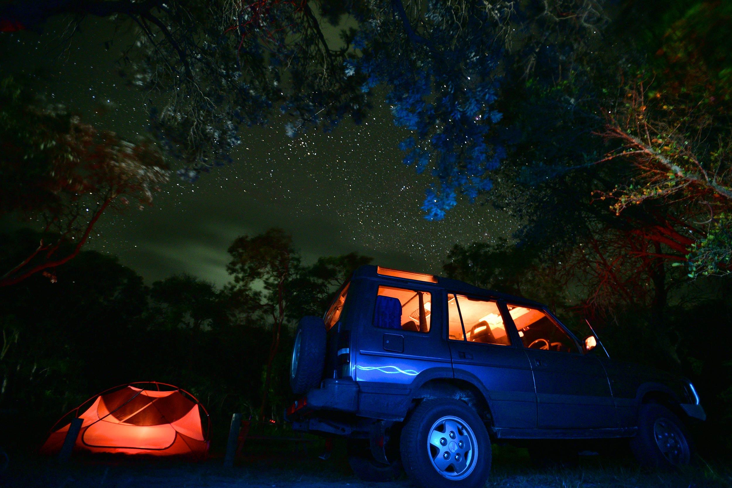 fraser_island_land_rover_night_camping_stars.jpg