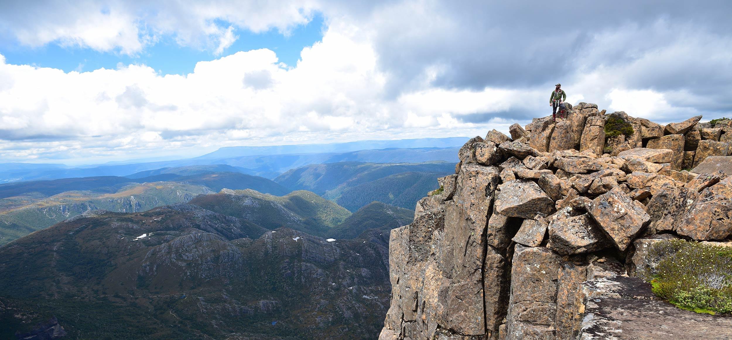 cradle_mountain_jordan_peak_tasmania.jpg