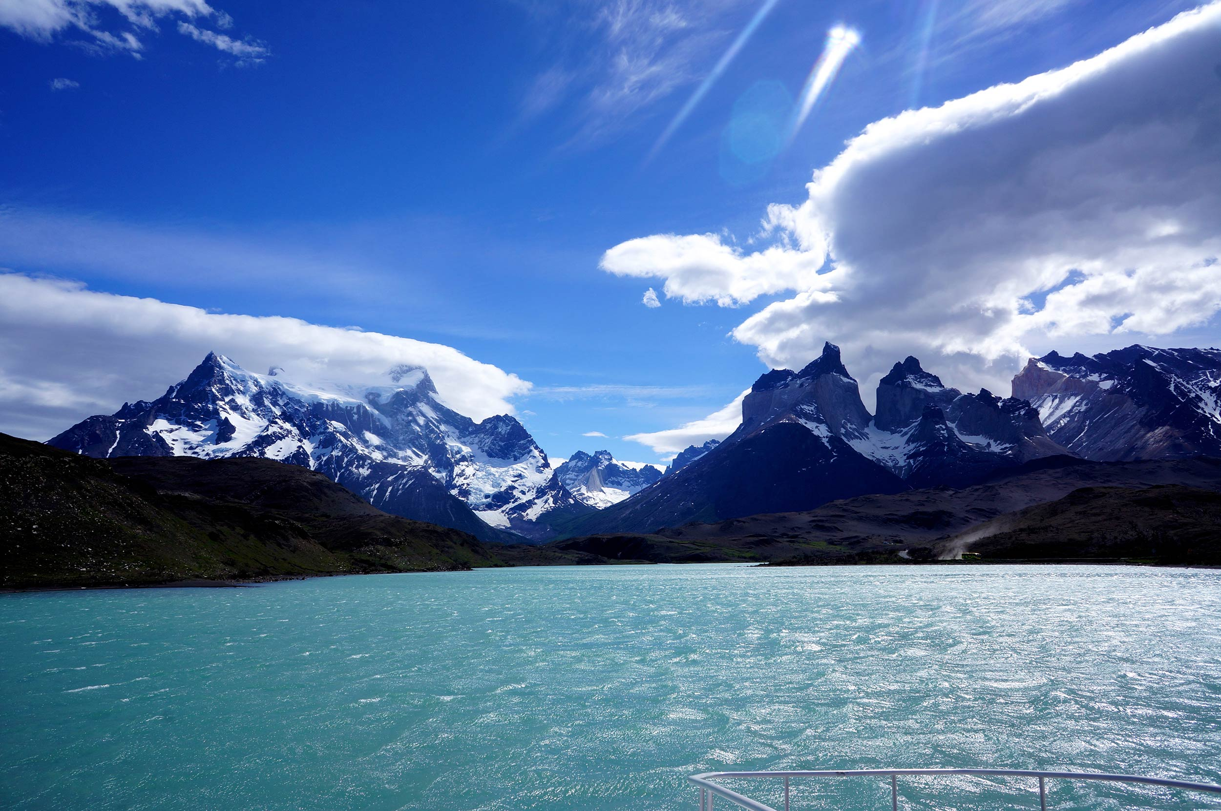 torres_del_paine_lake_mountains.jpg