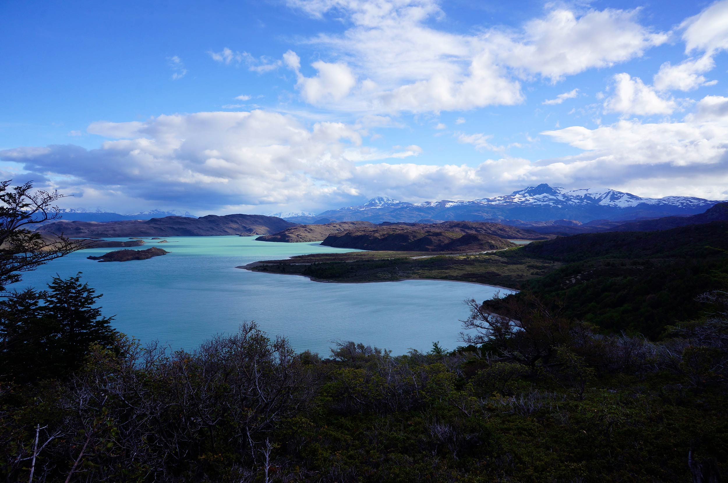 torres_del_paine_w_trek_lake.jpg