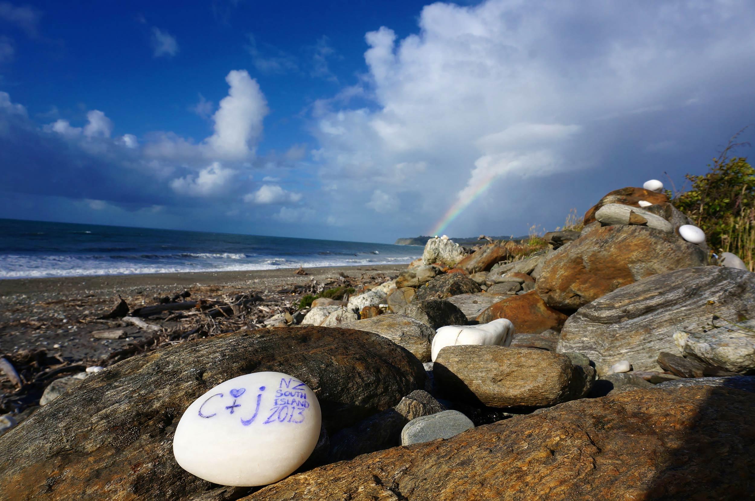 art_stones_on_way_to_hokitika_west_coast_nz.jpg