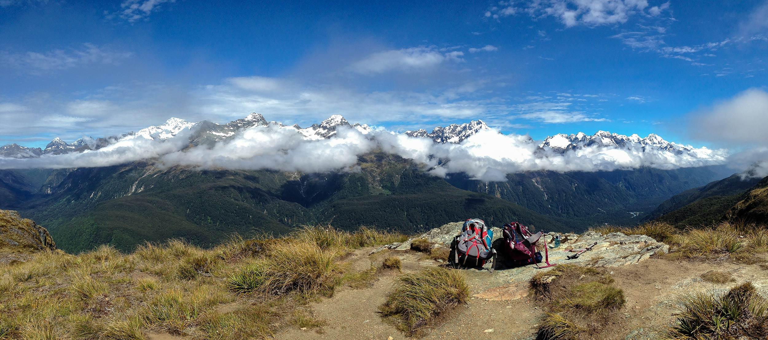 routeburn_track_backpacks_mountains_pano1.jpg