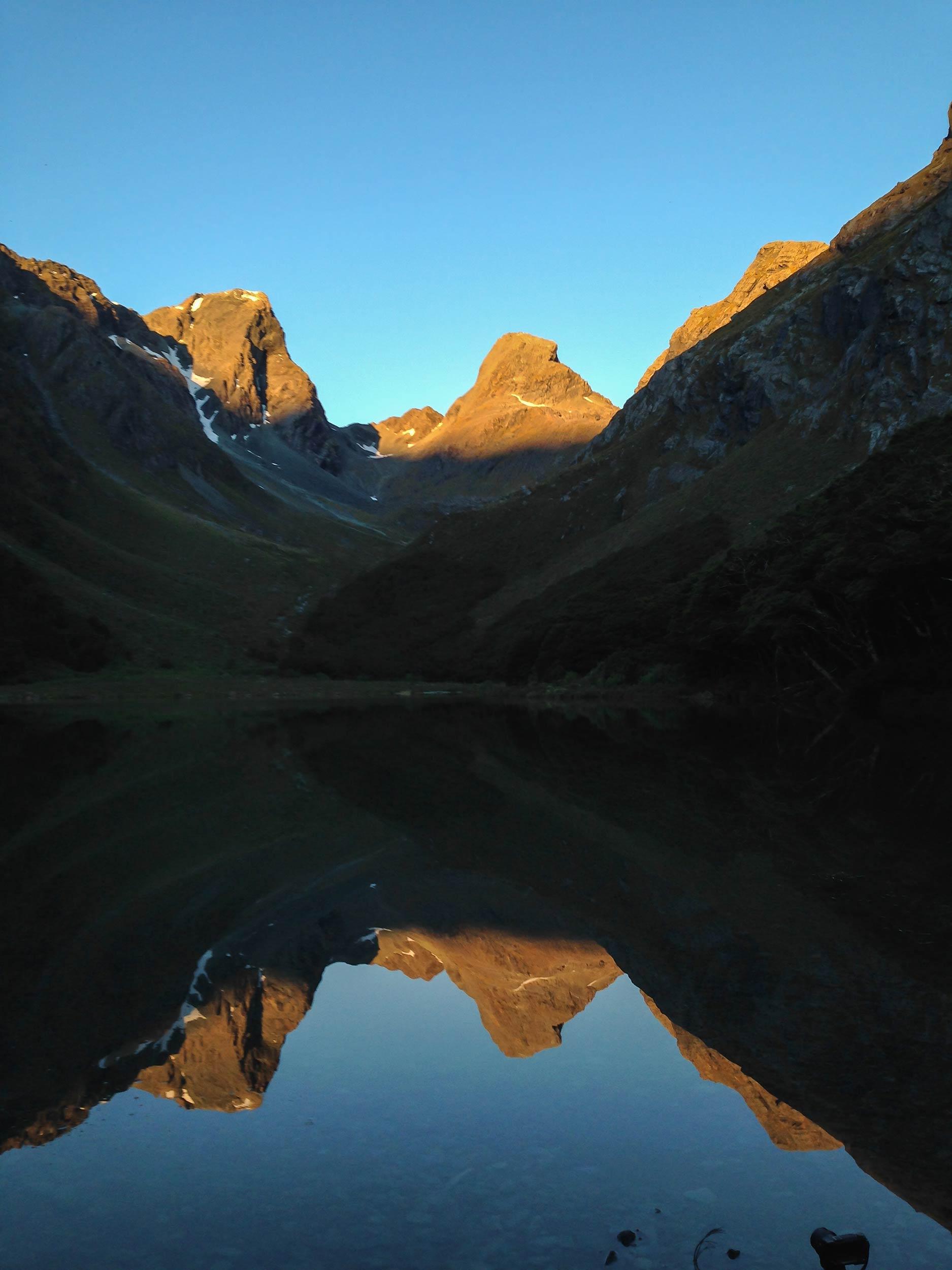 routeburn_track_lake_mackenzie_reflection_sunset.jpg