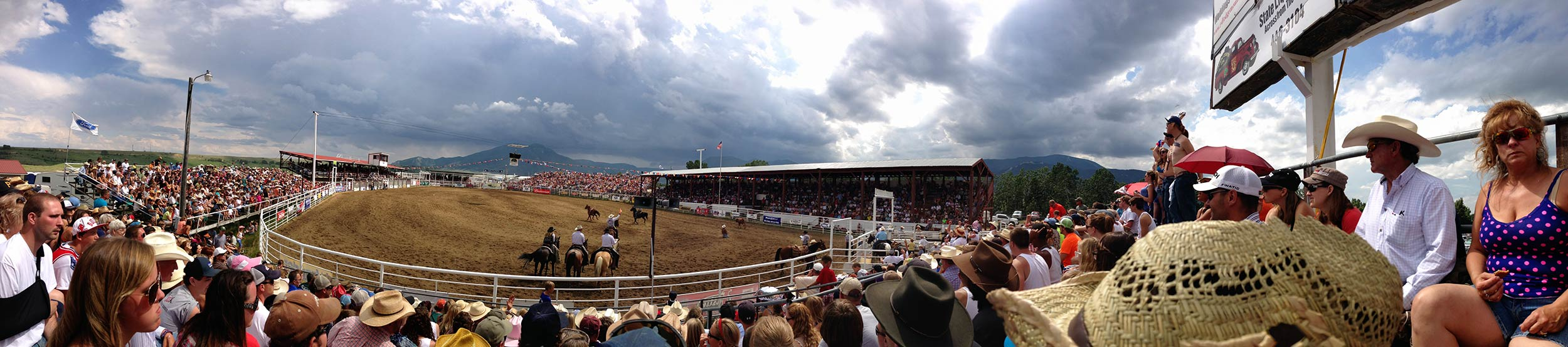 montana_red_lodge_rodeo_4th_of_july_pano.jpg