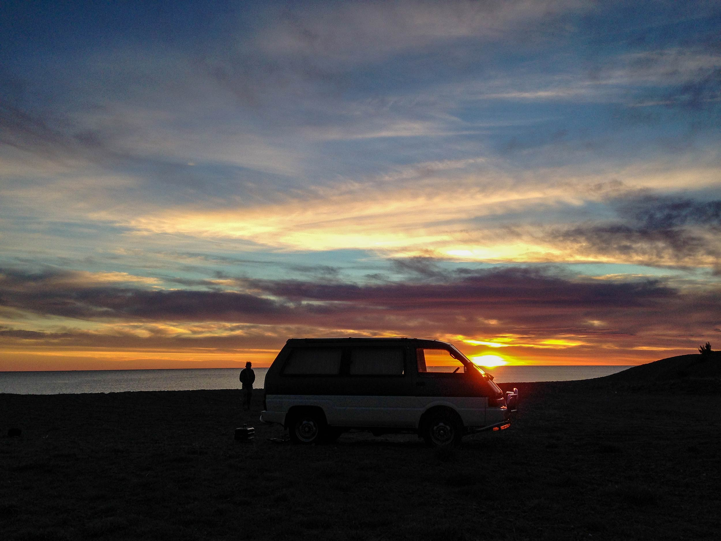 manny_the_van_sunset.jpg