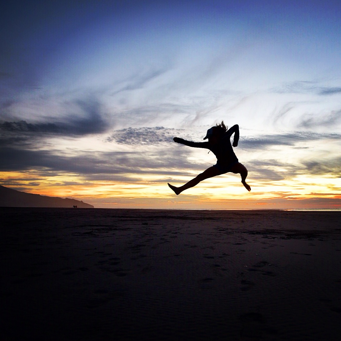 raglan_candice_sunset_ninja_kick.JPG