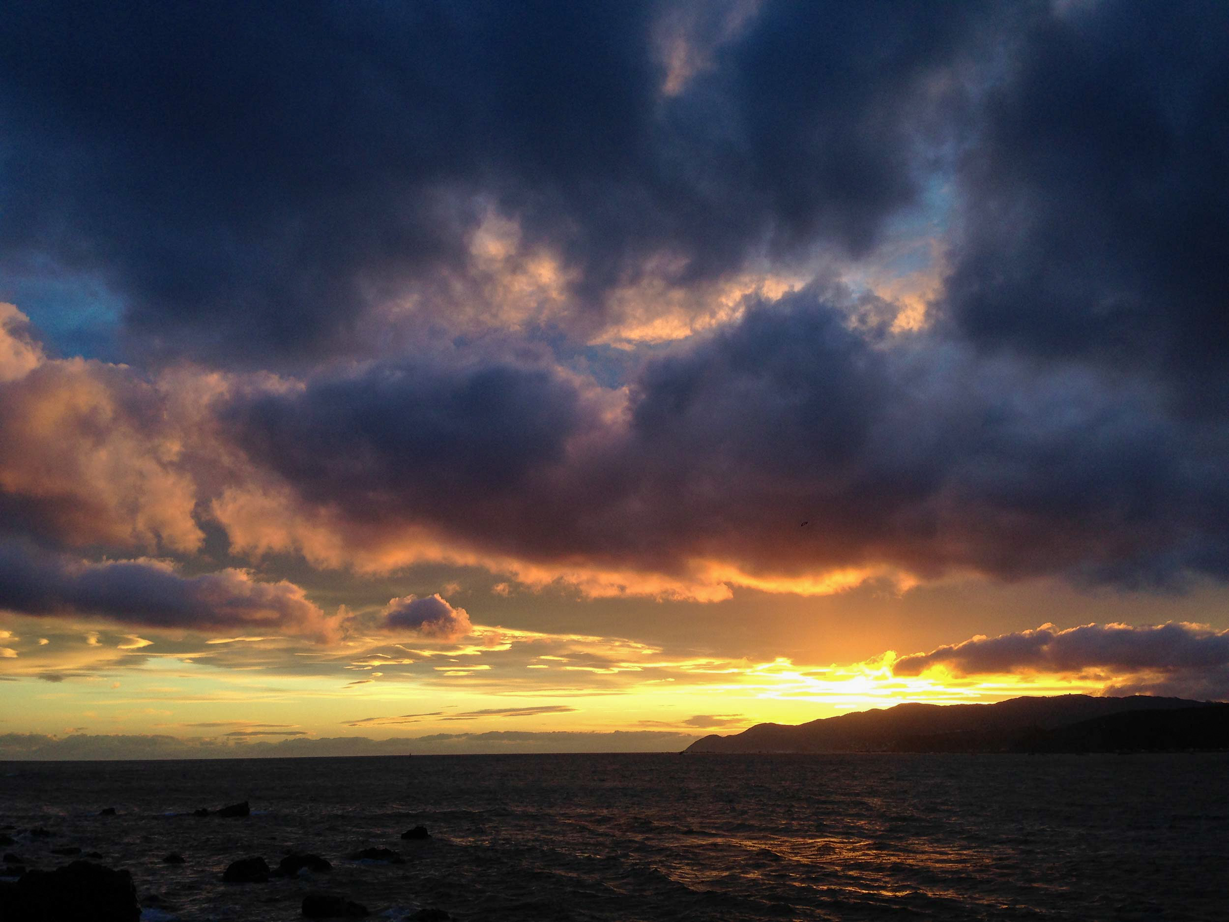 wellington_sunset_lighthouse_hike.jpg