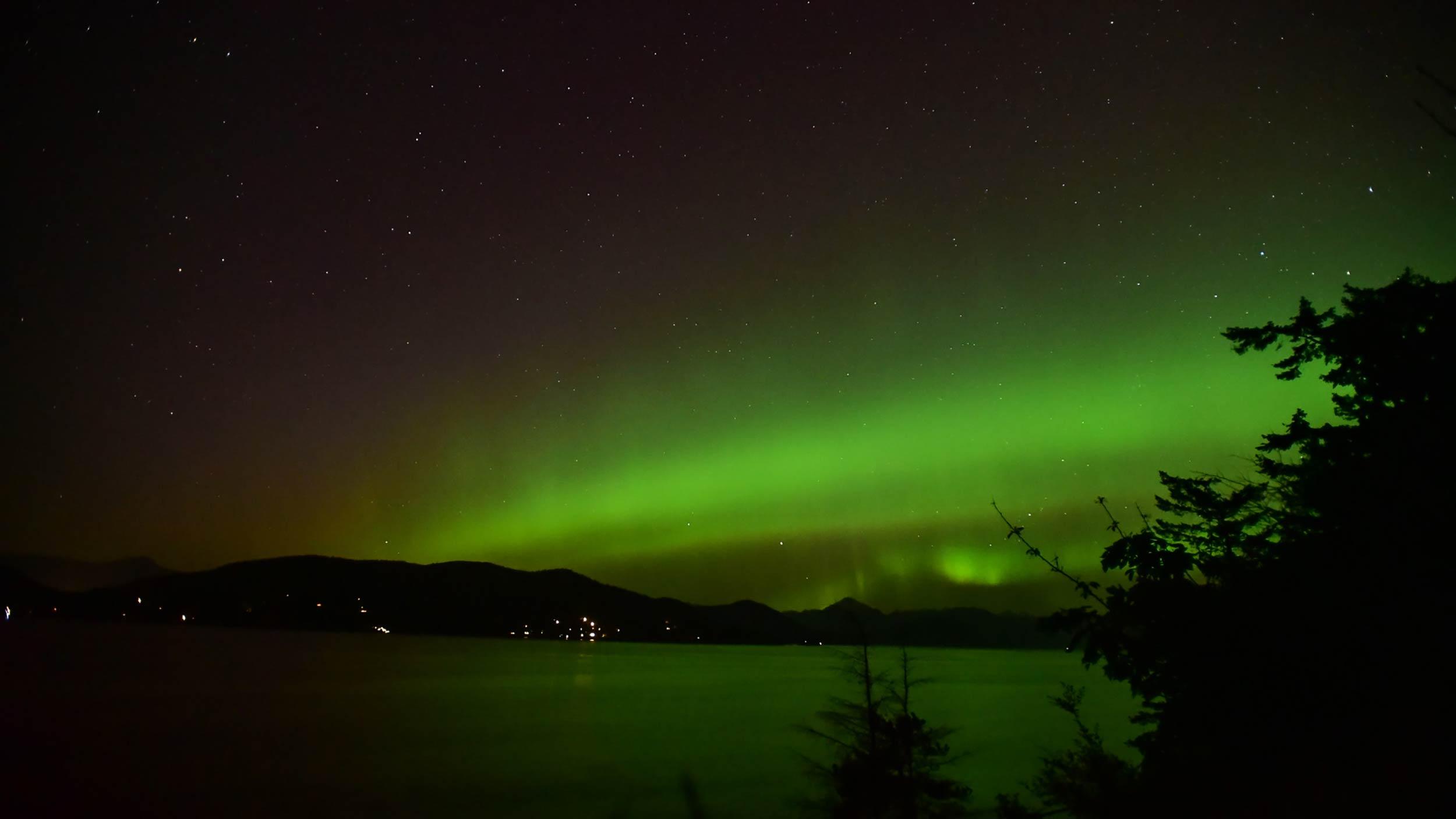 whytecliff_park_aurora3.jpg