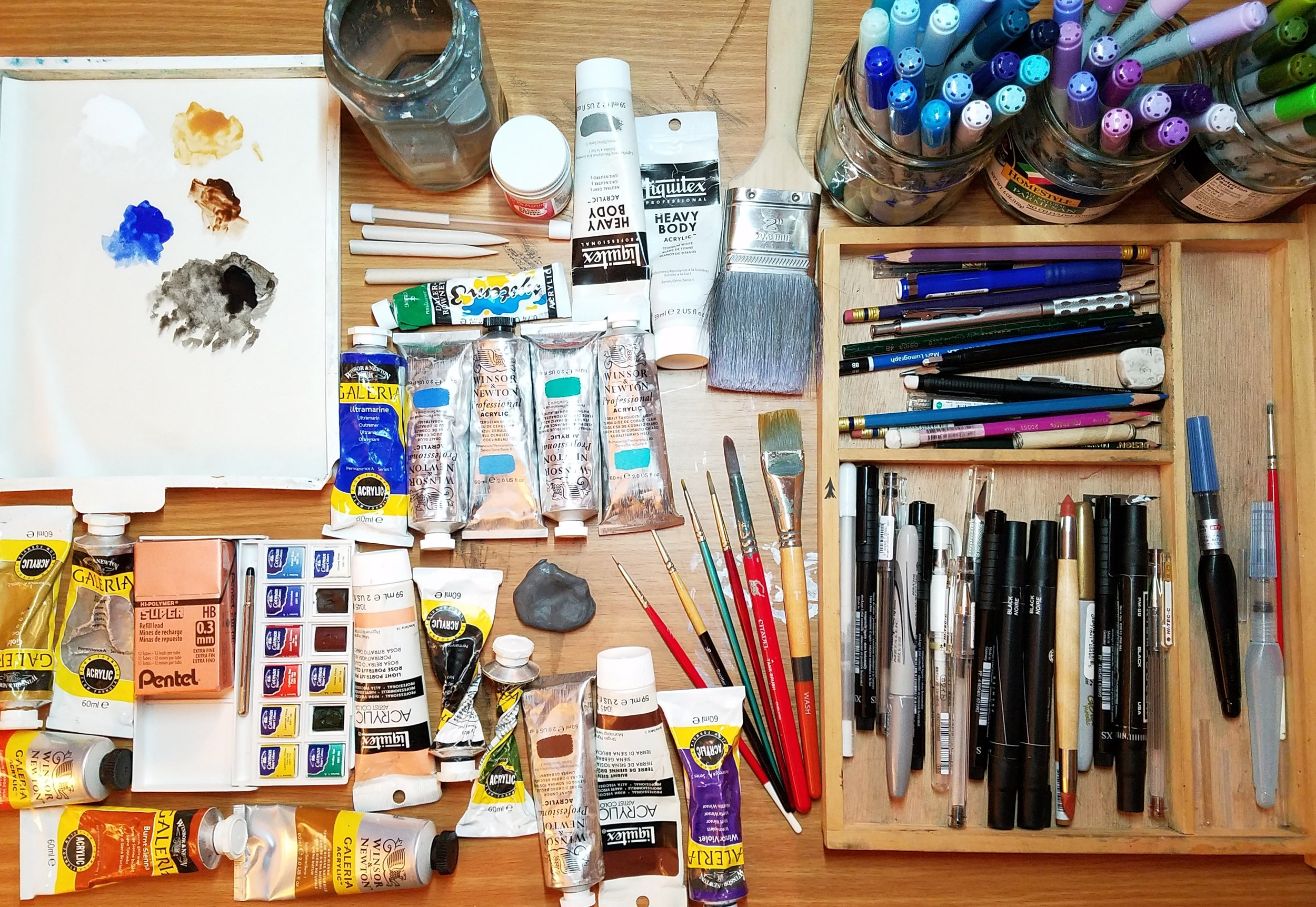 Commonly used ingredients include acrylic paint, watercolors, markers, graphite and India ink.