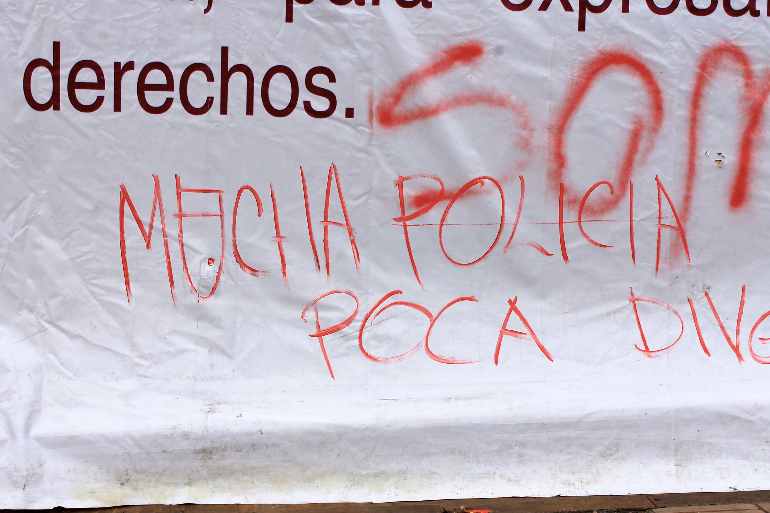 """Another Santa Fe, but part of a """"M u cha Policia, Poca Diversión"""" (""""Lots of Police, Little Fun"""") tag which, in itself, was a light diversion from the more angry messages."""