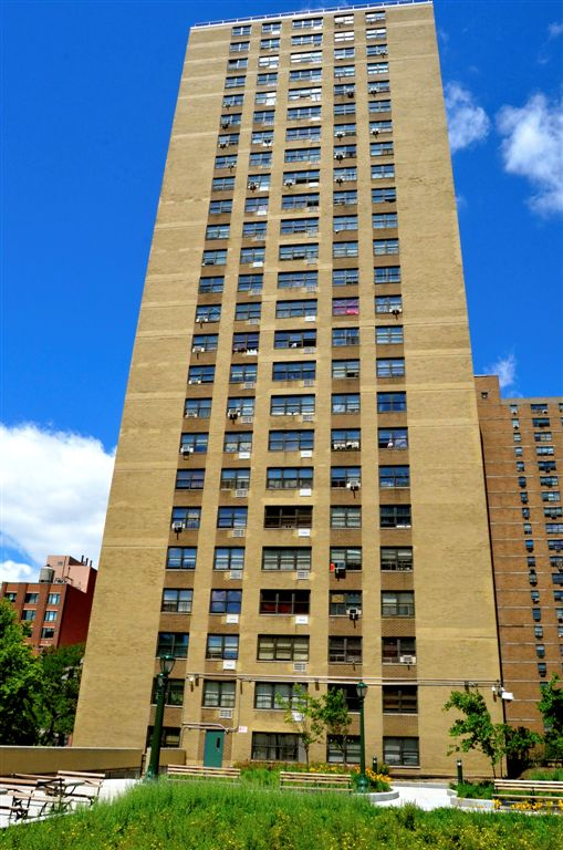 Haven Plaza Facade 4.jpg