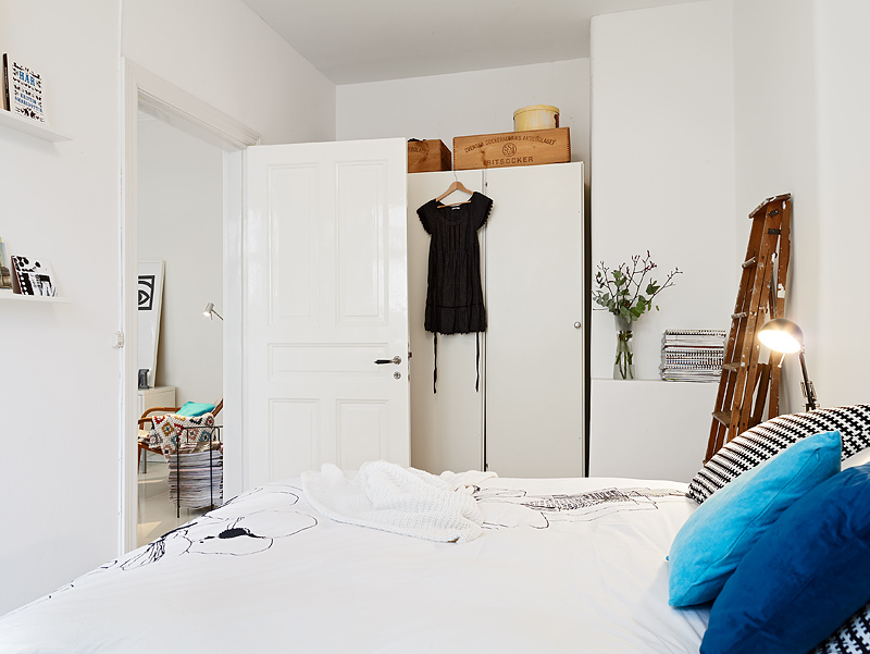 small-bedroom-white.jpg