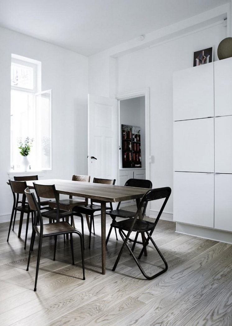 Dining-Table-Yvonne-Kone-Home-©-Line-Klein-for-Elle-Decoration-Est-Magazine.jpg