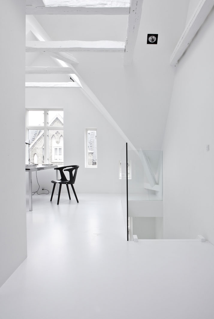 Copenhagen-Townhouse-II-by-Norm-Architects-photo-Jonas-Bjerre-Poulsen-yatzer-18.jpg