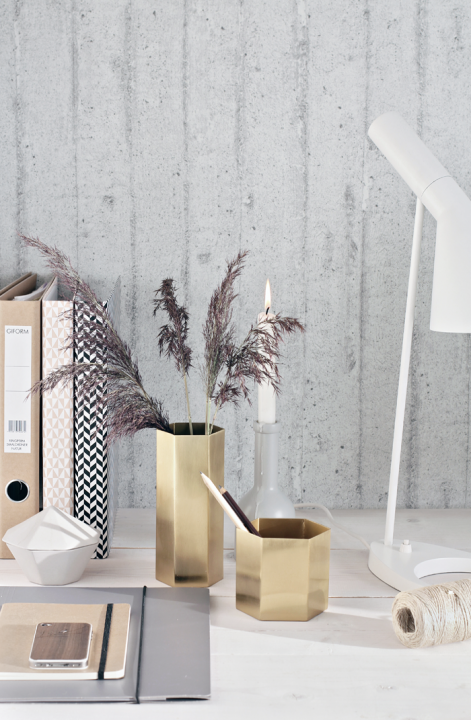 Perfect choice. For workspace. Styling by Nina Holst • baraperglova.com/blog