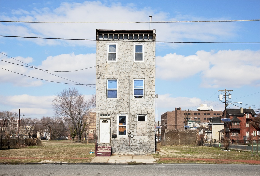 Last House Standing. By Ben Marcin • baraperglova.com/blog