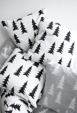 4 Styles 4 Merry Christmas. #3 Black & White • baraperglova.com/blog