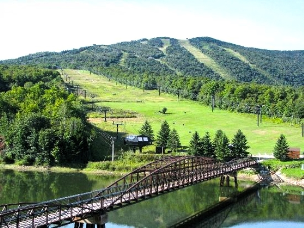 Killington, Vermont. I believe I skied here once when I was a kid. I really should've quit then. Cold, wet sports are not my favorite. Gimme a road track or autocross any day!