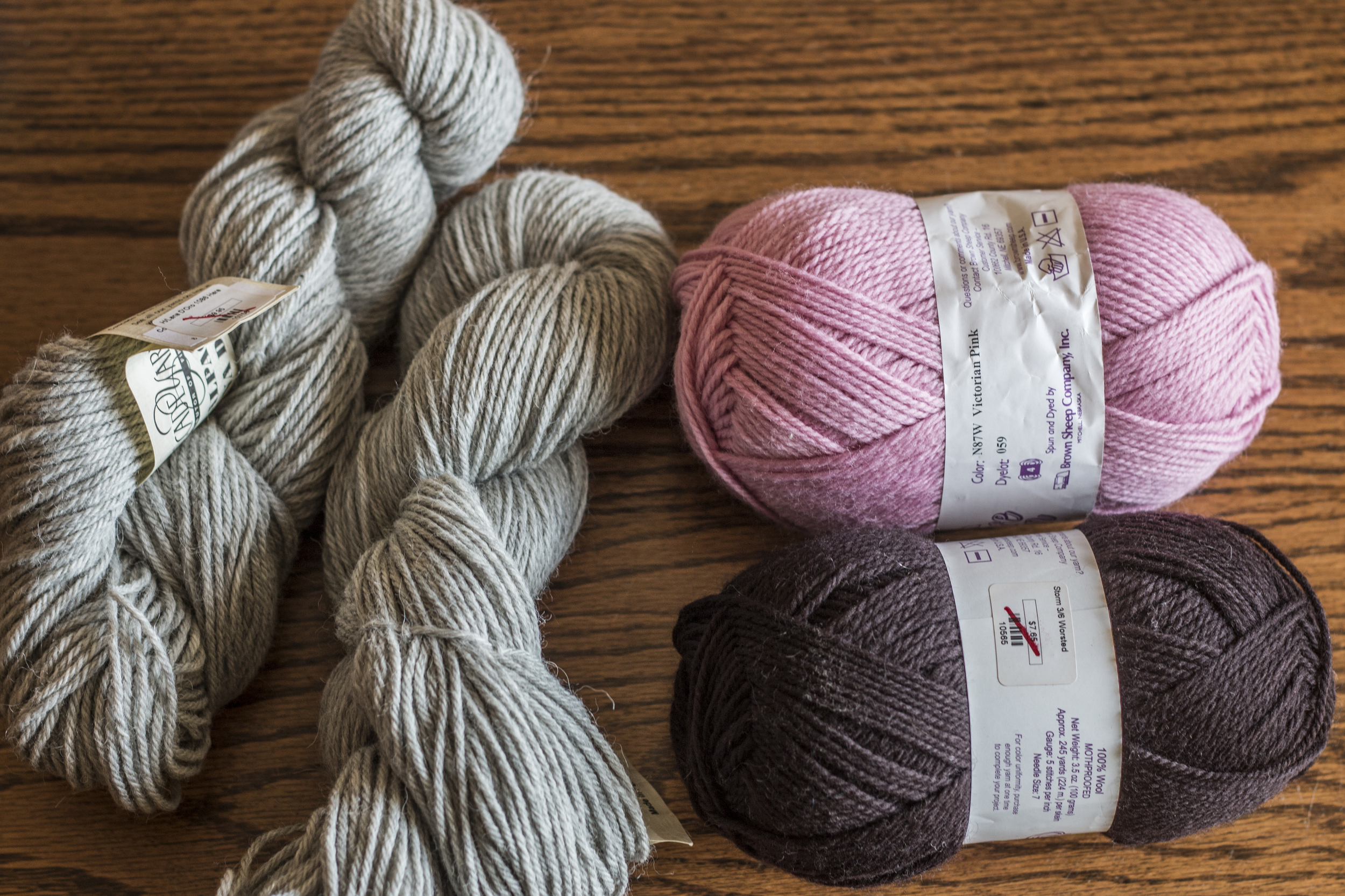 The yarns appear to be high contrast...